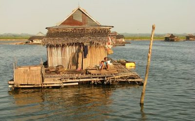 Visiting a Tiny Floating Village in Sulawesi, Borneo